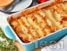 Рецепта Канелони с пилешко филе (гърди), гъби, домати от консерва и бешамелов сос и кашкавал